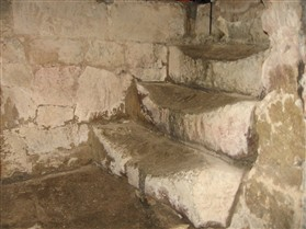Photo:The cellar steps at Barnards. A victualler would have kept his goods cool in the cellar.