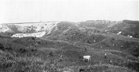 Photo:The Clunch Pit in the 1930s