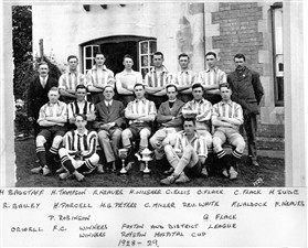 Photo:Orwell F.C 1928-29 with players names