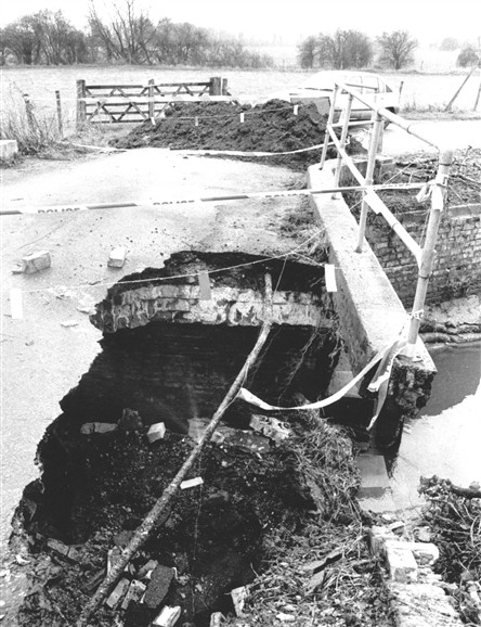 Photo:Malton Bridge collapse, 1997