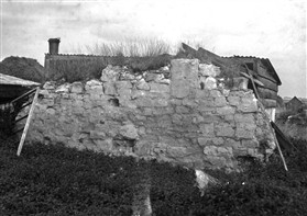 Photo:The ruins of Malton Church in the 1930s