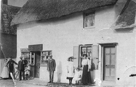 Photo:The Bakery and Post office at 5 High Street c.1910