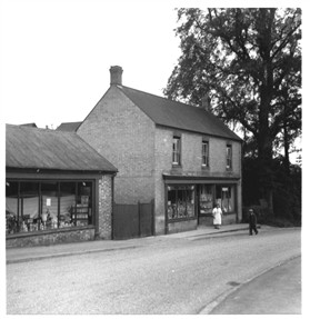 Photo:Huddlestone's Shop aound 1960